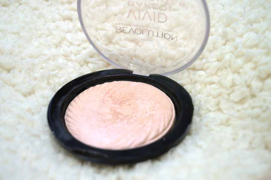 Makeup Revolution peach lights highlighter