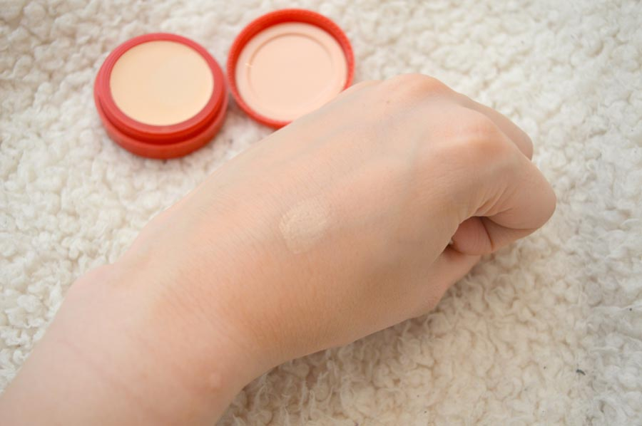 rimmel lasting finish concealer review in porcelain swatch