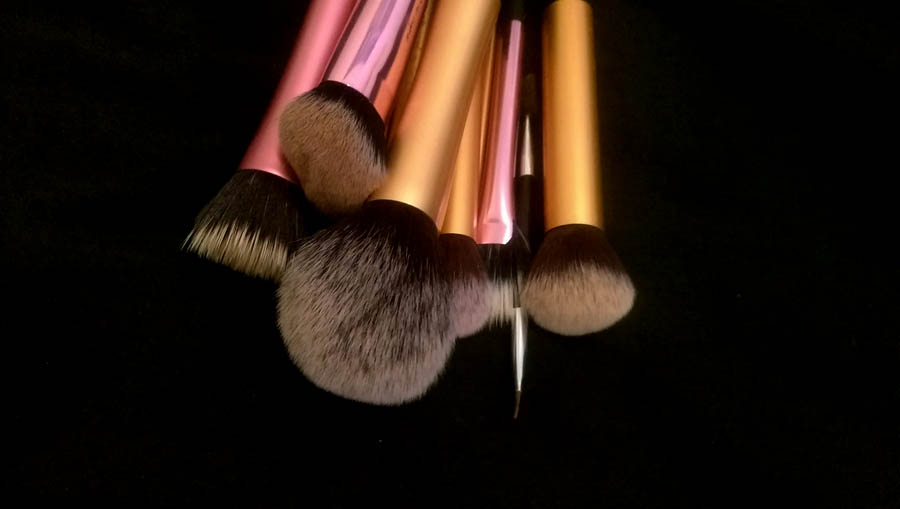 washing makeup brushes under £1