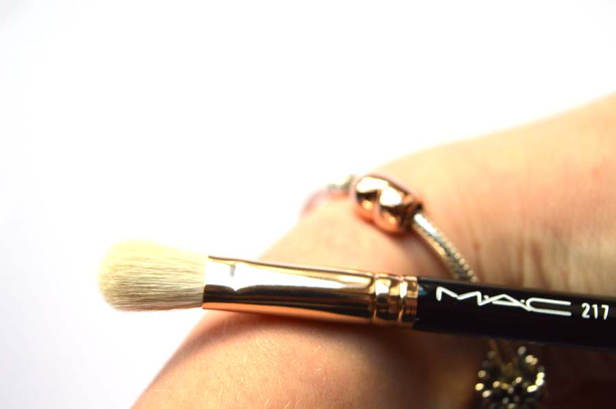 rose gold mac 217 brush