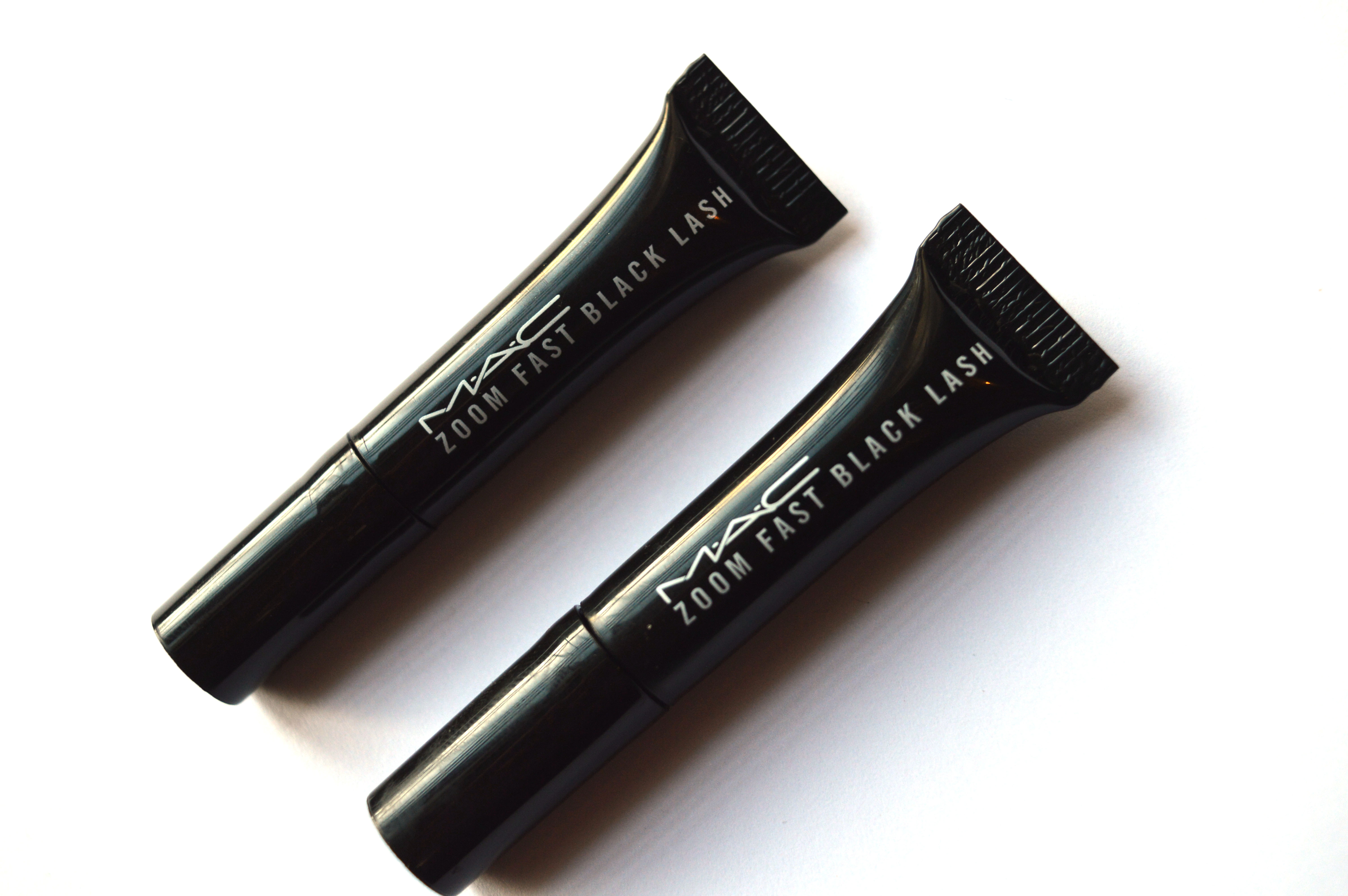mac zoom fast black lash mascara