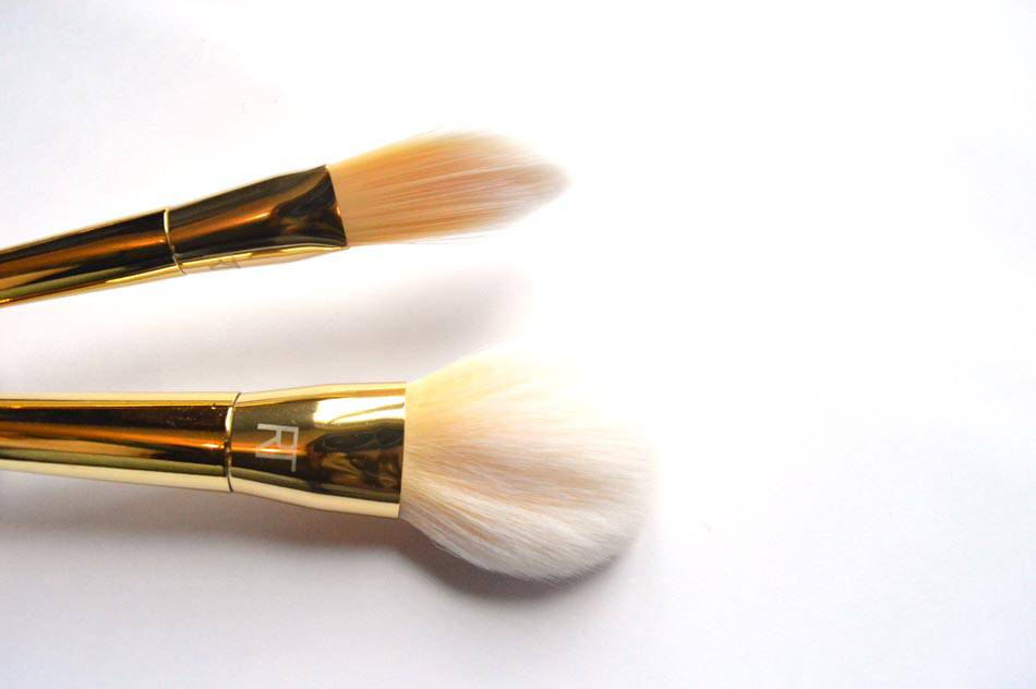 real techniques bold metals foundation and powder brush